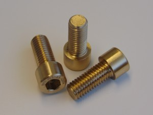 BN131961 12 UNC x30 Sil Bronze (Coldur A)